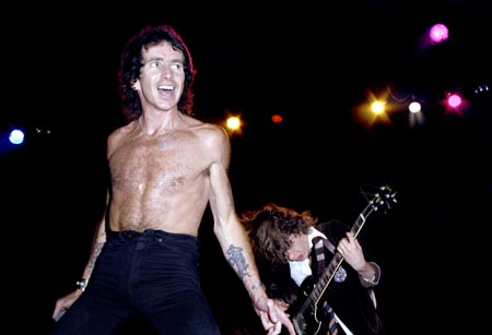 bon scott and angus live