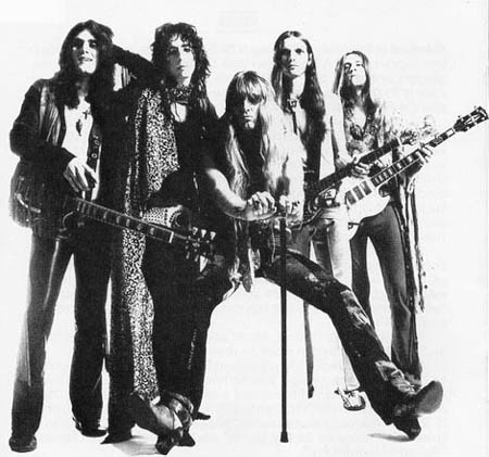 http://rgcred.files.wordpress.com/2012/06/alice-cooper-band.jpg